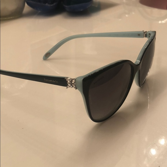 081e8a1e284e Accessories - Tiffany   Co Carey s sunglasses